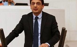 CHP'li Emre: İstismarcı Tarikat Liderinin Haberlerine Erişim Yasağı, İstismarcıların Korunduğu Düşüncesi Yaratır
