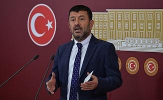 Ağbaba: Neden altın varaklı saraylardaki Erdoğan değil de asgari ücretliler sabrediyor?
