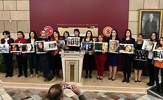 CHP'li 17 Kadın Milletvekilinden 'Nafaka Önergesi'
