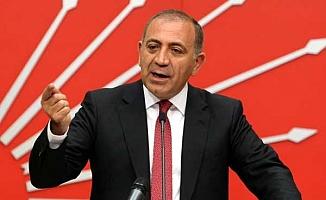CHP'li Tekin icralık vatandaşlarla görüştü: Bankacılar tefecileri geçti, durum sosyal patlamaya doğru gidebilir