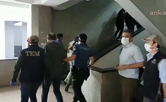 Gözaltındaki HDP'li Siyasiler Adliyeye Sevk Edildi
