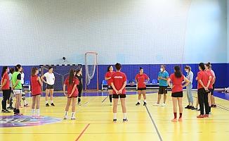 Konyaaltı Kadın Hentbol Takımı, İzmir B.B. maçına hazır