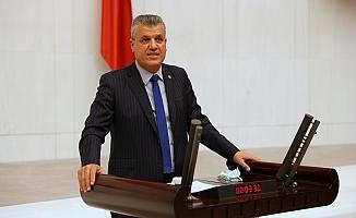 CHP'li Ayhan Barut, yatay geçiş skandalının peşini bırakmıyor