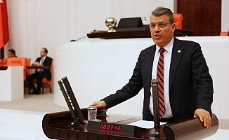 CHP'li Barut: 'Deprem ülkesi olan Türkiye'de başka acılar yaşanmadan etkin önlem alınmalıdır'