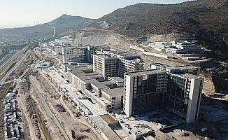 Şehircilik Bakanlığı'ndan İzmir açıklaması: Aktif fay hattı üzerine deprem konutu yapılması söz konusu değildi