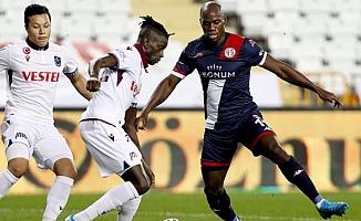 Trabzonspor puanı son dakika golüyle kurtardı