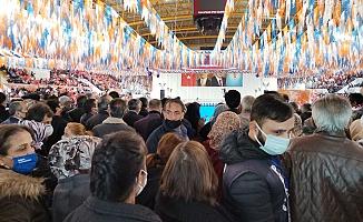 AKP İzmir Kongresi'nden Yine Aynı Manzaralar; Güvenlik Önlemi Var, Korona Önlemi Yok!