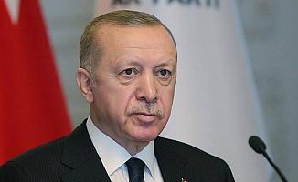 """Erdoğan: """"40 benzemezi aynı torbaya sokmaya çalışan ittifak çabaları dahi bu gerçeği değiştirmeye yetmiyor"""""""