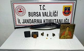Bursa'da 1,5 milyon dolar değerinde tarihi eser yakalandı