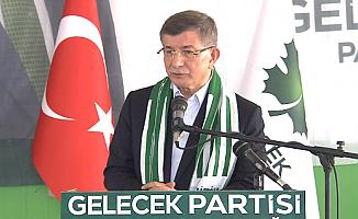 Davutoğlu Yeni Kabineyi Eleştirdi: 17/25 yaşanırken FETÖ güzellemeleri yapanlar...
