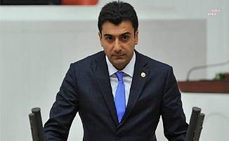 """CHP'li Emre, """"yargıdaki iş gücünü"""" sordu: """"Süresini tamamlamasına karşın kaç kişi hala cezaevinde"""""""
