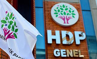 İzmir'de HDP Binasında Silah Sesleri