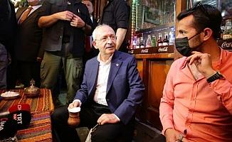 Kılıçdaroğlu, Gaziantep'te Bakırcılar Çarşısı esnafını ziyaret etti