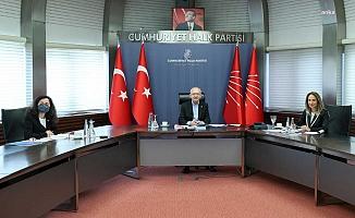 Kılıçdaroğlu, Kadın Kolları il başkanları ile buluştu: ''Biz politikamızı sosyal kimlikler üzerinden kuruyoruz''