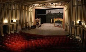 Tiyatrolar Koltuklarının 4'te Birini Kaybetti