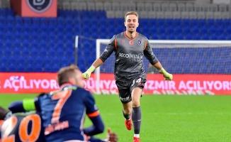 Beşiktaş, Mert Günok transferini bitirdi