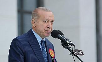 """Erdoğan, """"Yeni anayasa"""" çalışması için tarih verdi: """"Önümüzdeki yılın ilk aylarında kendi hazırlığımızı milletimizin takdirine sunmakta kararlıyız"""""""
