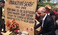 Aşık Mahzuni Şerif mezarı başında anıldı