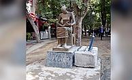İnsan Hakları Anıtı bariyerlerinden kurtuldu