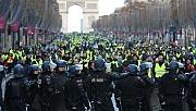 Fransa'da tüm gözler Macron'da