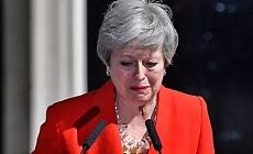İngiltere Başbakan'ı istifa etti!