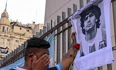 Maradona, Buenos Aires'te toprağa verildi